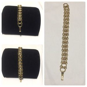 Cute circle with pearls bracelet - gold tone